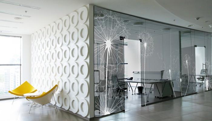 применение стекла в интерьере