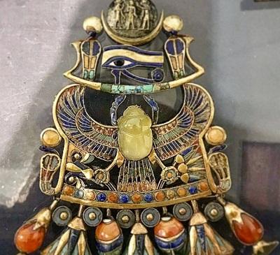 древнеегипетское украшение с ливийским стеклом